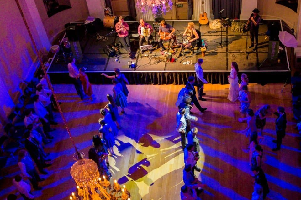 ceilidh band hire uk - the burdock band from birmingham, west midlands